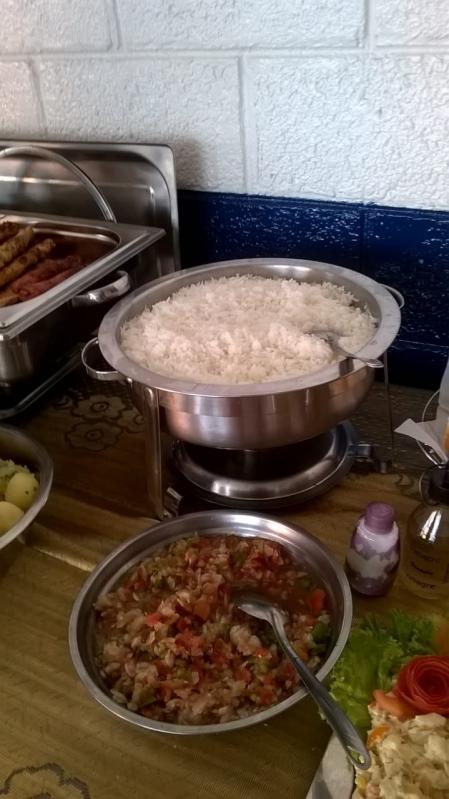 Churrasco com Saladas e Bebidas em Empresas Valor Riviera de São Lourenço - Festas com Churrasco em Empresas