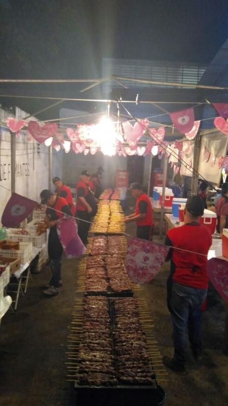 Serviço de Churrasco para Eventos de 150 Pessoas Preço Itaim Paulista - Serviço de Churrasco para Confraternização