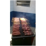 buffet de churrasco carne e carvão em São Roque
