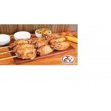 espetinhos de frango para festa em Mongaguá