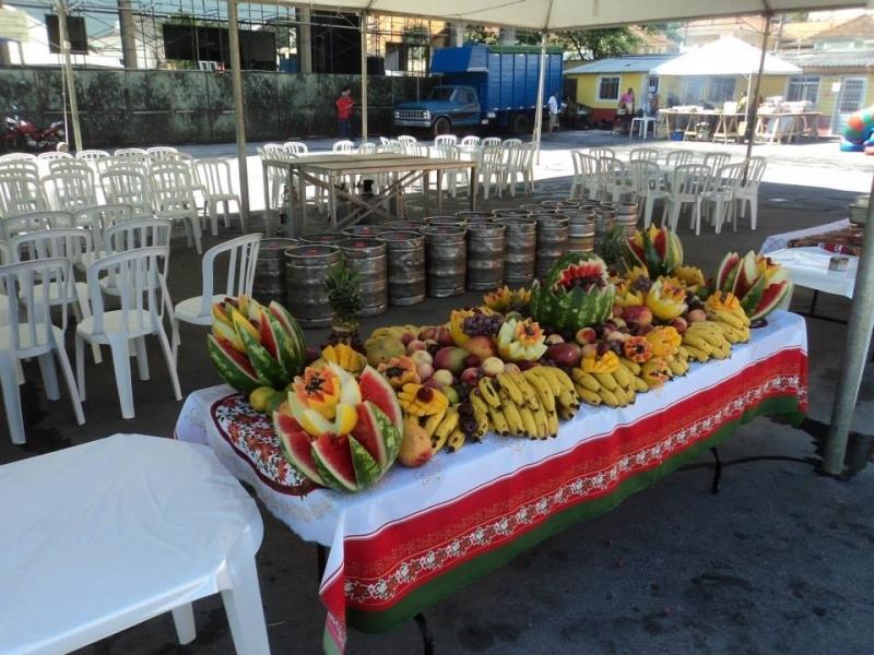 Onde Encontro Churrasco com Saladas e Frutas em Empresas Jaraguá - Festas com Churrasco Completo para Empresas